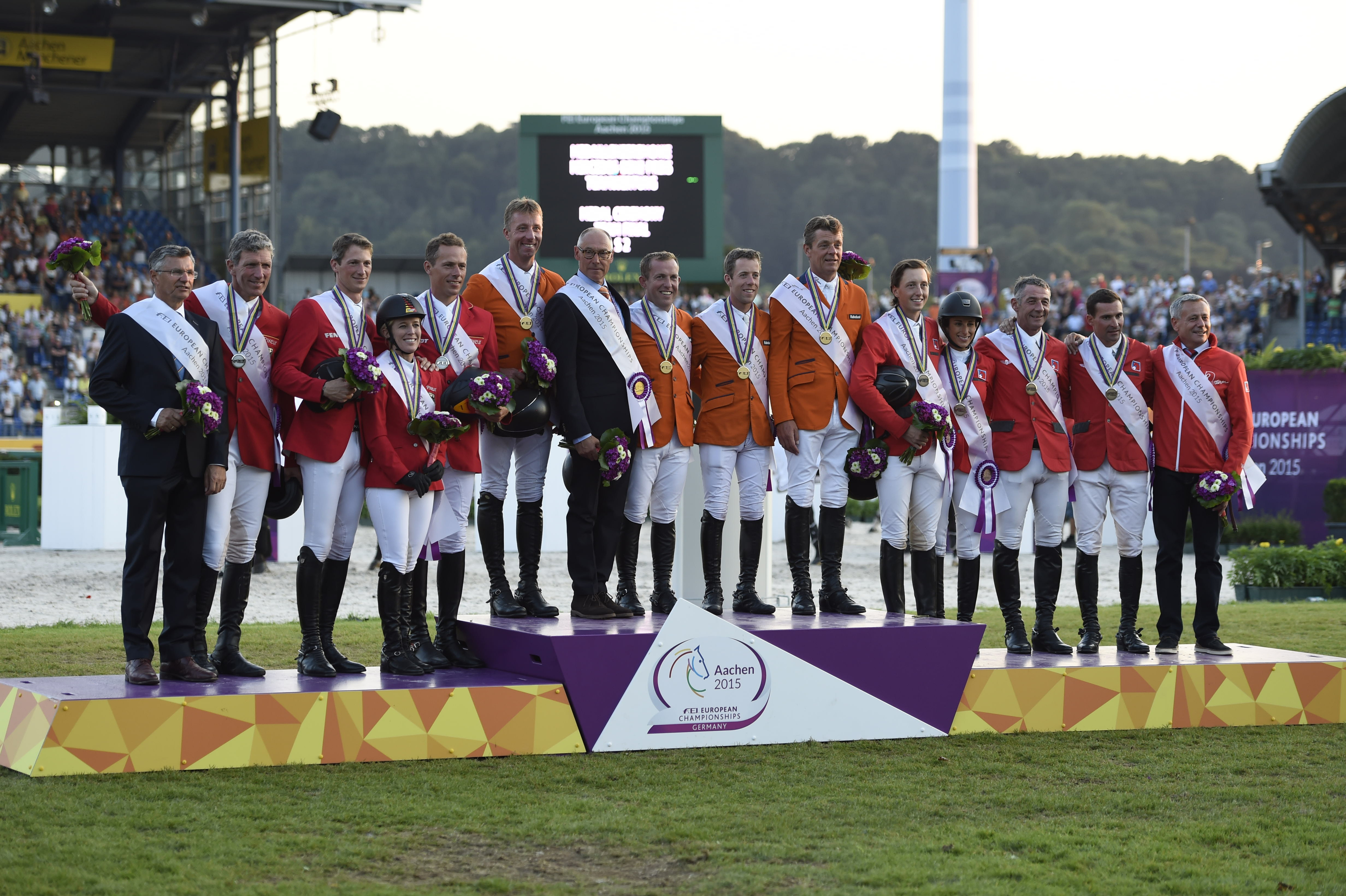 Horse Times Egypt: Equestrian Magazine :Event News :THE NETHERLANDS WIN THE TEAM COMPETITION AT THE FEI EUROPEAN CHAMPIONSHIPS IN AACHEN. SPAIN'S SERGIO ALVAREZ MOYA TAKES THE LEAD IN THE INDIVIDUAL COMPETITION.