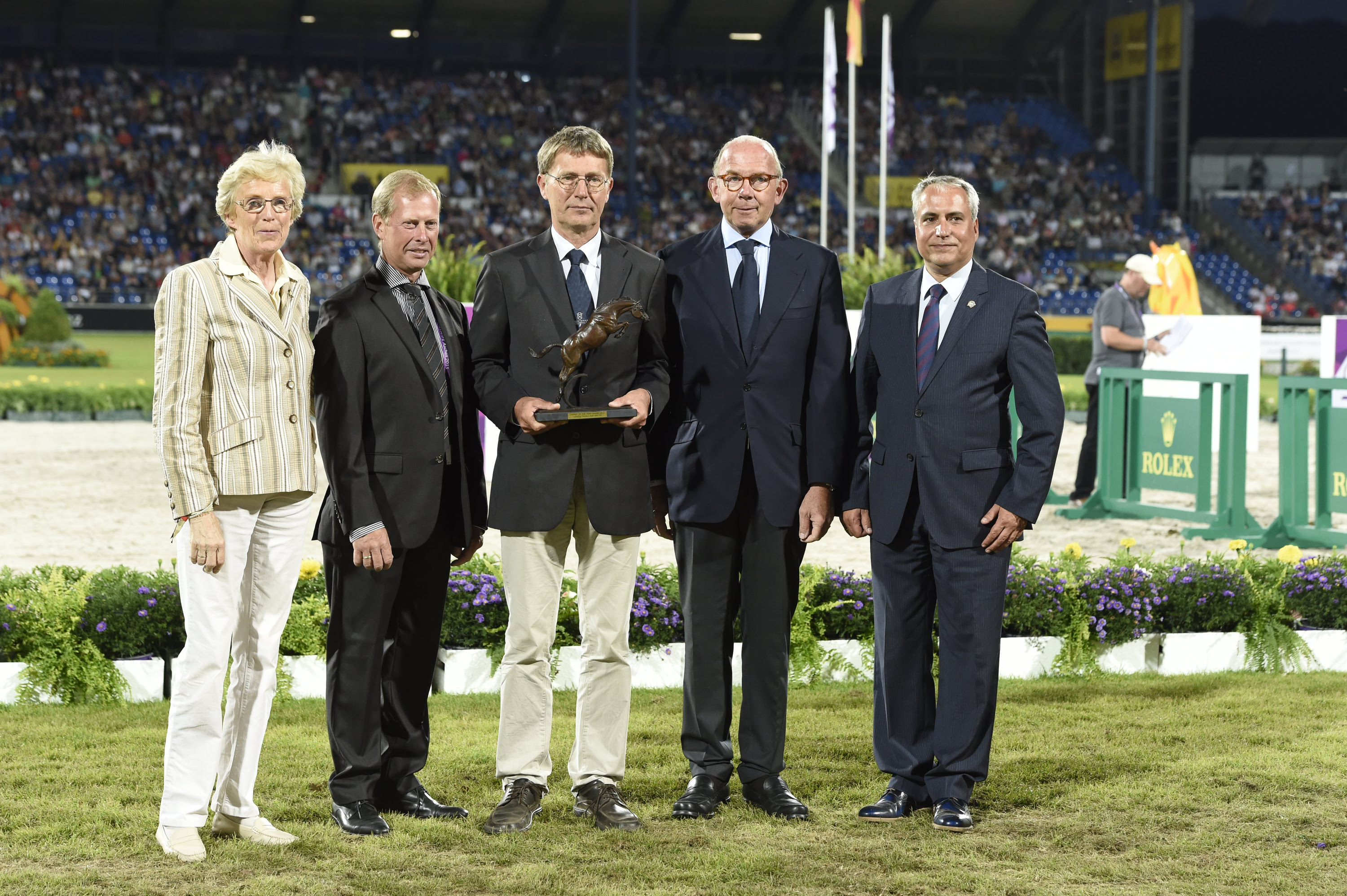 Horse Times Egypt: Equestrian Magazine :News :HOLSTEINER ASSOCIATION NAMED 2014 JOC OWNER OF THE YEAR WITH CASALL ASK