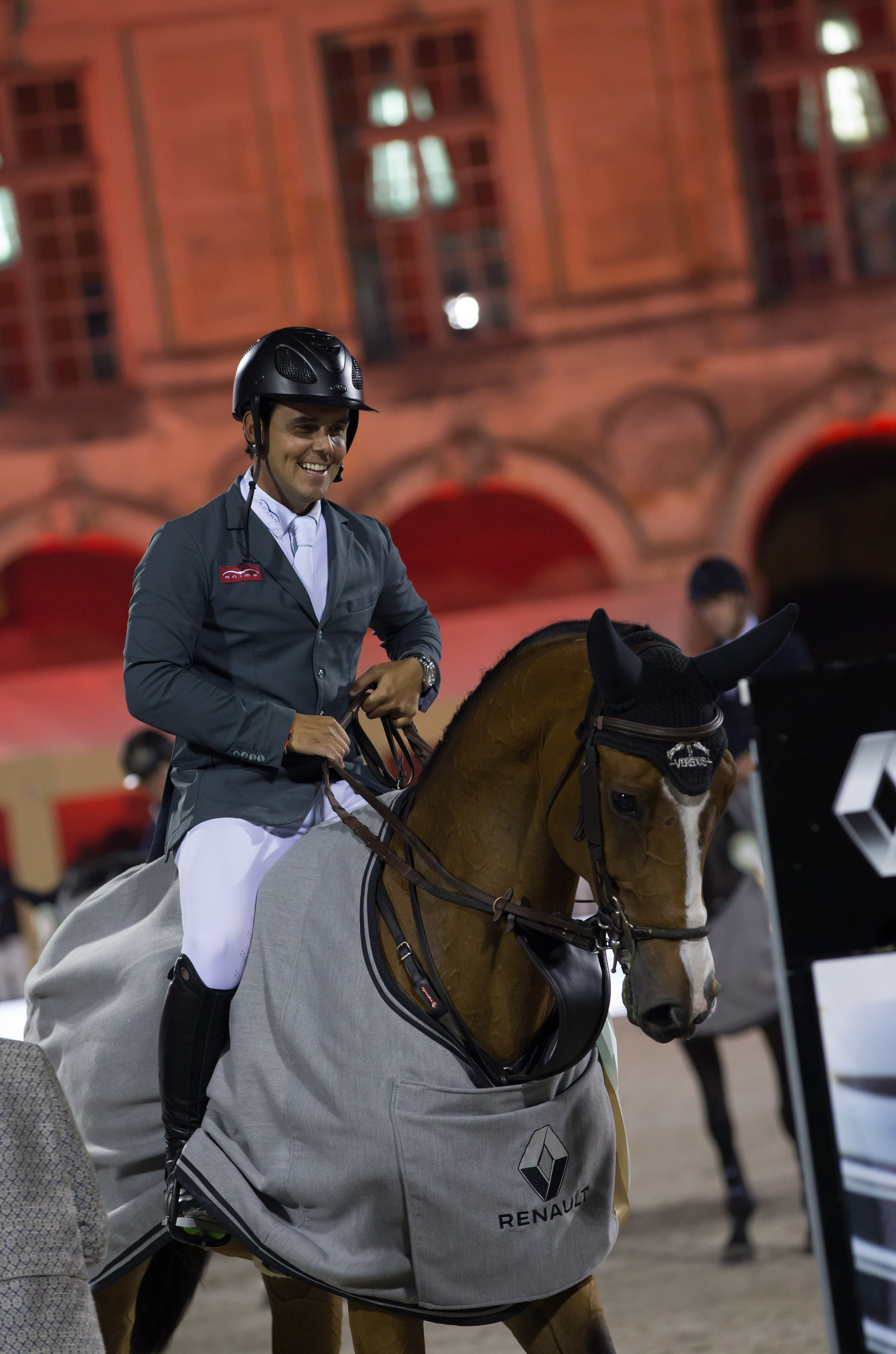 Horse Times Egypt: Equestrian Magazine :News :SERGIO MOYA AND ARRAYAN IN ANOTHER DIMENSION!