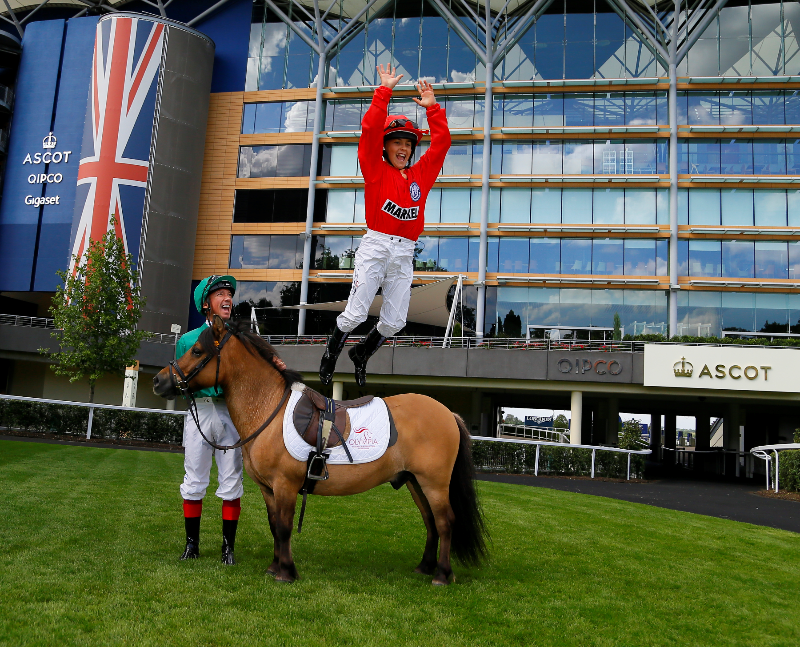Horse Times Egypt: Equestrian Magazine :News :FRANKIE DETTORI GIVES LOOK-A-LIKE SON TRAINING TIPS AHEAD OF OLYMPIA THE LONDON INTERNATIONAL HORSE SHOW